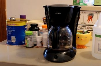 Can I Clean Coffee Maker with Apple Cider Vinegar?