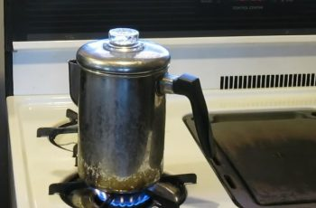 How to Use Old Fashioned Coffee Maker