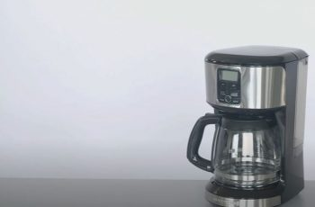 How to Clean Black and Decker Coffee Maker with Vinegar