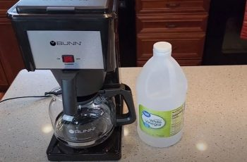 How to Clean out a Bunn Coffee Maker